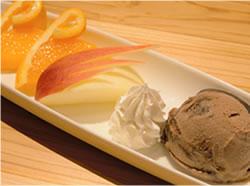 フルーツとアイスクリーム